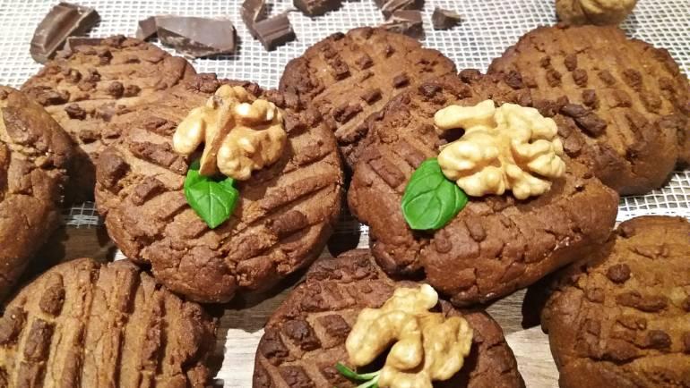Bezglutenowe ciasteczka orzechowo-czekoladowe