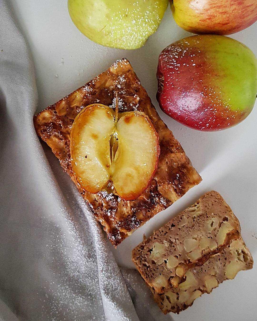 Bezglutenowe i ekspresowe ciasto jabłkowe