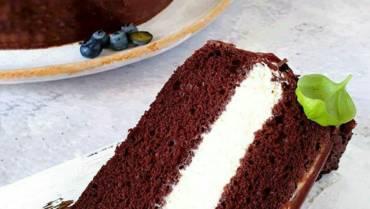 Bezglutenowe ciasto czekoladowe z kremem waniliowym z ricotty