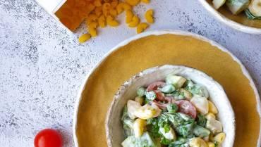 Szybka sałatka z makaronem i szparagami